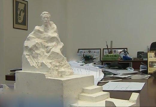 Активисты хотят установить надгробный памятник на могиле Врубеля
